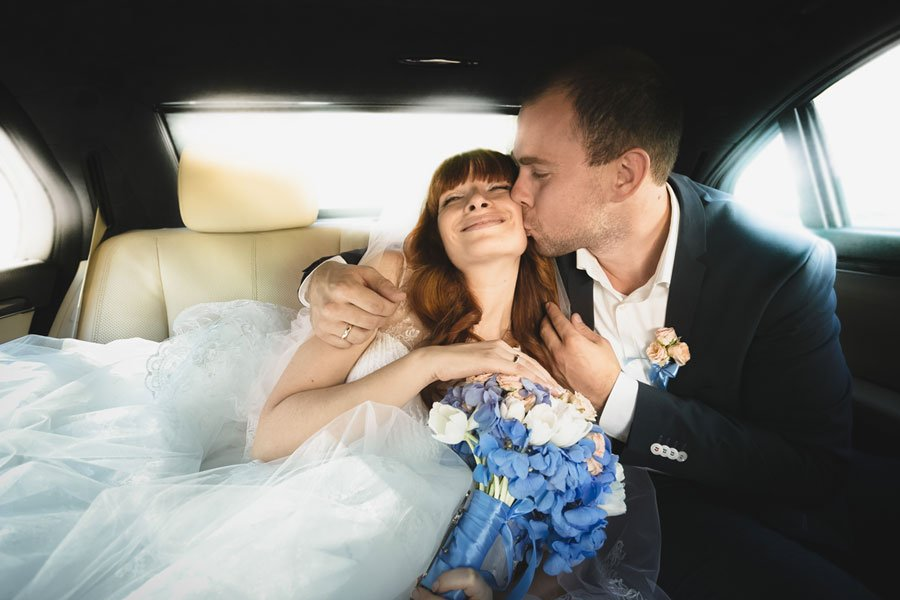 M&M Limousine Services - wedding limo rental service